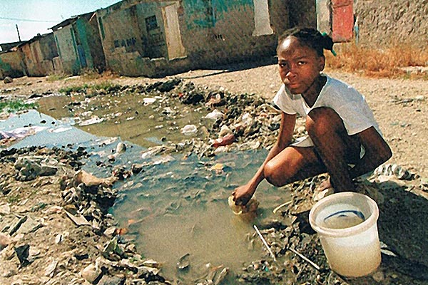 No clean and safe drinking water in Port-au-Prince, Haiti